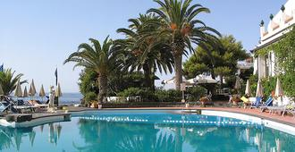 Arathena Rocks Hotel - Giardini Naxos - Pool