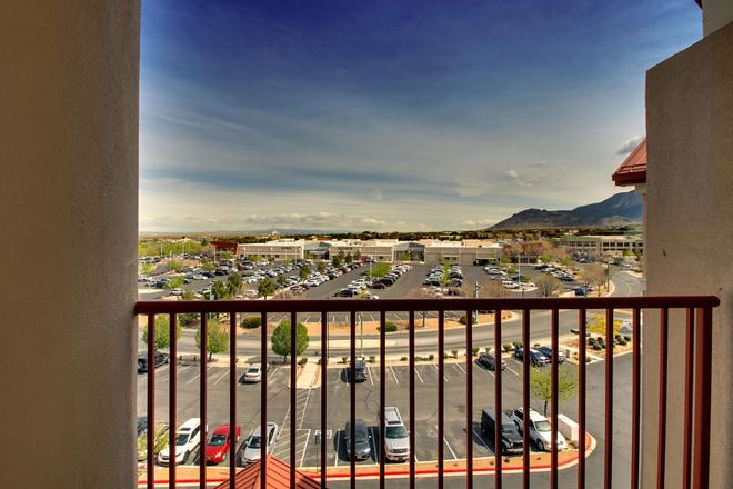 Drury Inn & Suites Albuquerque North - Albuquerque - Balcony