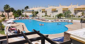 大尖渡假村 - 阿爾布費拉 - 阿爾布費拉 - 游泳池