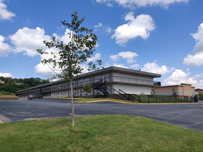 Super Stay Inn - North Little Rock - Building