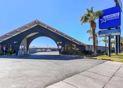 Americas Best Value Inn and Suites El Centro - El Centro - Rakennus