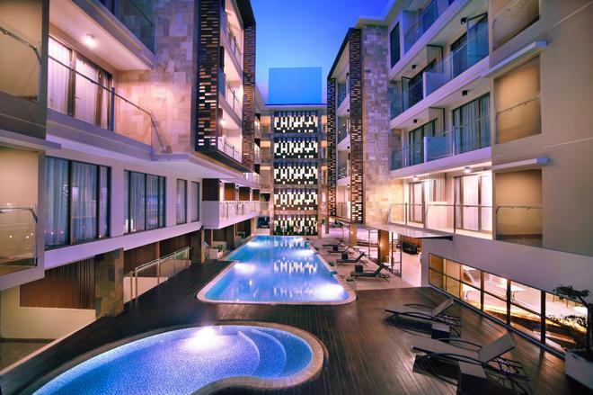 哈珀庫塔酒店 - 庫塔 - 游泳池