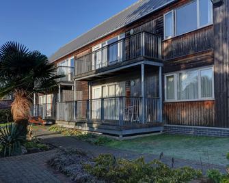 Best Western Plus Oaklands Hotel - Norwich - Gebouw