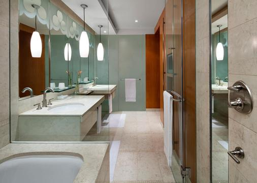 The H Hotel, Dubai - Dubai - Bathroom