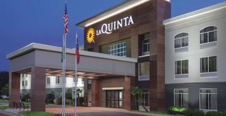 La Quinta Inn & Suites by Wyndham Columbus North - Columbus