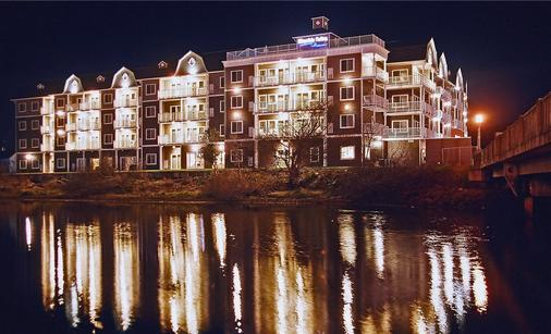 Rivertide Suites - Seaside - Building