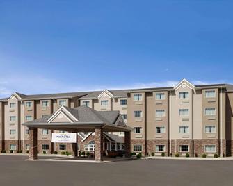 Microtel Inn & Suites St Clairsville - Saint Clairsville - Building