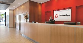 Travelodge Hotel Melbourne Southbank - Melbourne - Recepción