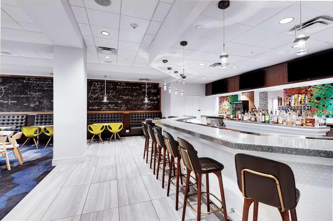 Embassy Suites by Hilton Raleigh Crabtree - Raleigh - Bar