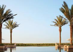 فندق أنانتارا إيسترن مانجروف أبو ظبي - أبو ظبي - حوض السباحة
