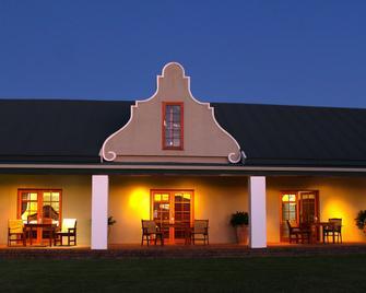 Mooiplaas Guesthouse - Oudtshoorn - Building