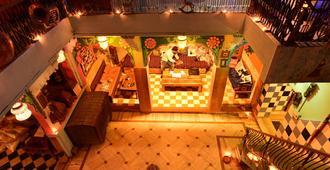 Yogi Guest House - Jodhpur - Servicio de la propiedad