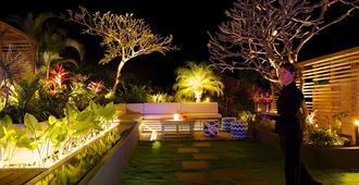 Blue Margouillat Seaview Hotel - Saint-Leu
