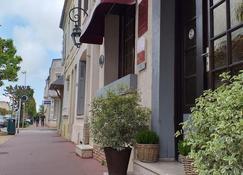 Hôtel Le Chantilly - Deauville - Θέα στην ύπαιθρο