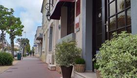 Hôtel Le Chantilly - Deauville - Extérieur