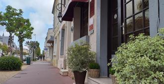 Hôtel Le Chantilly - דואו-וויל - נוף חיצוני