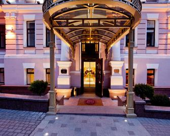 Opera Hotel - Kyiv - Building