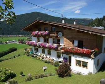 Pension Sonnleit'n - Kirchdorf in Tirol - Building
