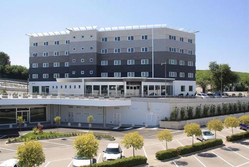 G Hotel - Osimo - Edificio