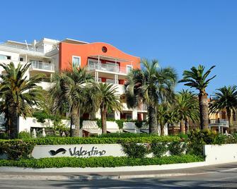 Valentino Resort - Grottammare - Building