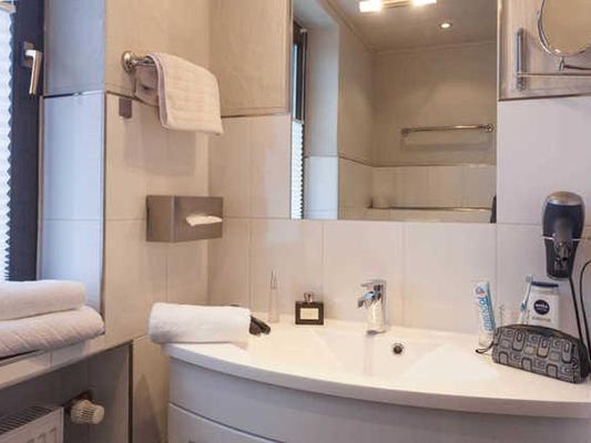 Hotel-Garni U. Apartments Zur Alten Post - Willingen (Hesse) - Kylpyhuone