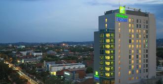 Holiday Inn Express Semarang Simpang Lima - סמראנג