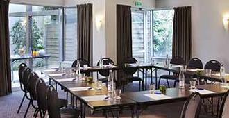 大洋洲艾斯卡勒瓦納酒店 - 瓦訥 - 瓦訥 - 大廳