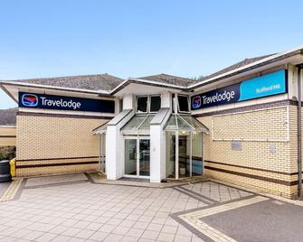Travelodge Stafford M6 - Stone - Building