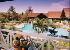 Labadi Beach Hotel - Acra - Piscina