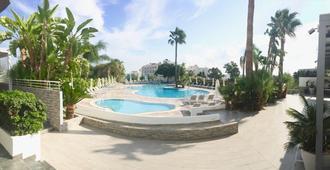 Lantiana Gardens - Protaras - Pool