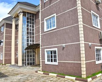 Western Dreams Hotel - Abuja - Building