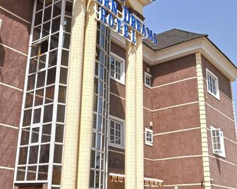 Western Dreams Hotel - Abuja - Building