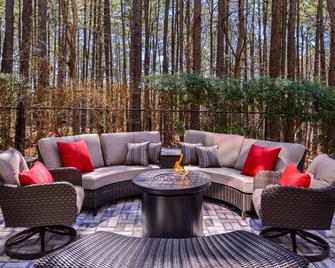 Country Inn & Suites by Radisson RaleighDurham Air - Morrisville - Патіо