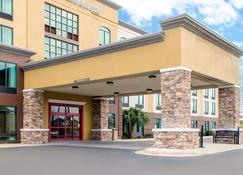 Comfort Inn and Suites Biloxi-DIberville - Biloxi - Building