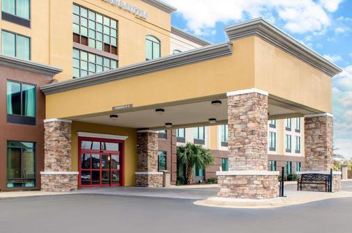 Comfort Inn and Suites Biloxi-DIberville - Biloxi - Κτίριο
