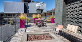 The Grove West Seattle Inn - סיאטל - שירותי מקום האירוח