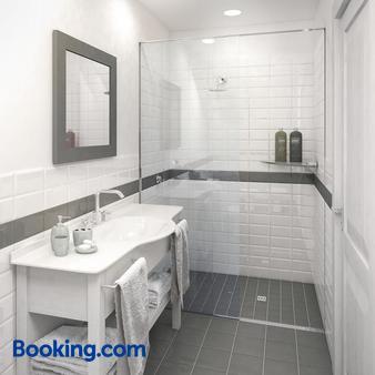 Rimini Suite Hotel - Rimini - Bathroom