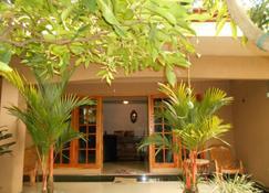 House Of Esanya - Negombo - Building