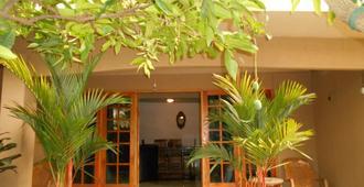 House Of Esanya - נגומבו - בניין