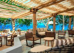 Sheraton New Caledonia Deva Resort & Spa - Бурай - Патио