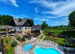 Plitvice Etno House - Jezerce - Piscine