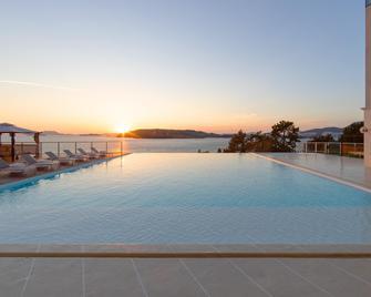 La Terrace Boutique Resort & Spa - Yeosu - Zwembad