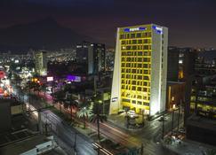 蒙特雷加勒利亞城市快捷酒店 - Monterey/蒙特里杰克 - 建築