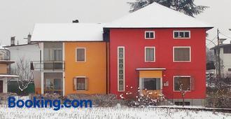 B&B Colli's Dolomites - Belluno - Building