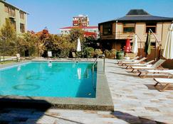 Hotel Amigo II - Kobuleti - Havuz