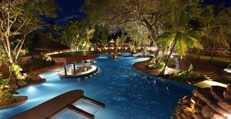 Bali Mandira Beach Resort & Spa - קוטה - בריכה