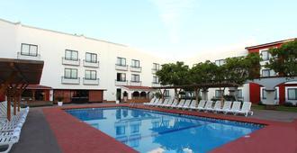 克雷塔羅嘉年華酒店 - 克雷塔羅 - 克雷塔羅 - 游泳池