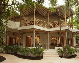 Mahekal Beach Front Resort & Spa - Playa del Carmen - Edificio