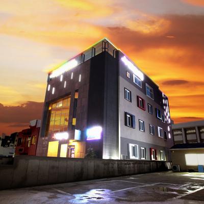 Jeju Lux Hotel - Seogwipo - Gebäude