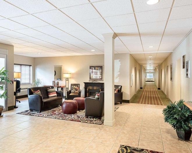 Suburban Extended Stay Hotel - Morgantown - Lobby
